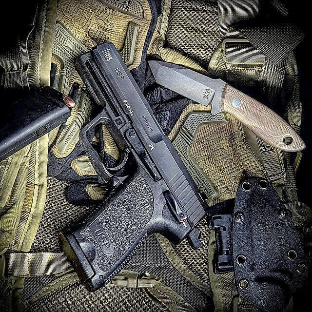 dzmedia HK USP 9mm, @mechanix_wear Mpact gloves. @tripleaughtdesign FAST pac EDC backpack. @tomkrein Drifter knife. #hk #hkusp #usp #kreinknives #mechanic #tadgear #usnstagram #usnfollow @gunsdaily1 @daily_badass @best_guns_daily #sickgunsallday #gunsdaily #dailybadass @sickguns @gunfanatics @gunchannels @weaponsdaily @shot #gunporn #molonlabe #bestoftheday #pistol #igmilitia @weaponsfanatics #tactical #operator #pewpewpew #2a @weaponsdaily #merica #usa #igmilitia #instagood #pewpewpew #guns #shooting